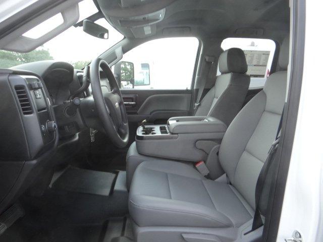 2019 Silverado 2500 Double Cab 4x2, Reading SL Service Body #M1195082 - photo 10
