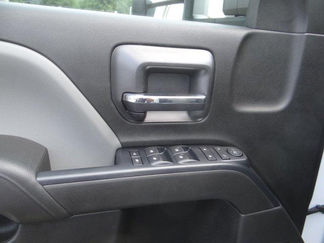 2019 Silverado 2500 Double Cab 4x2, Reading SL Service Body #M1195082 - photo 12