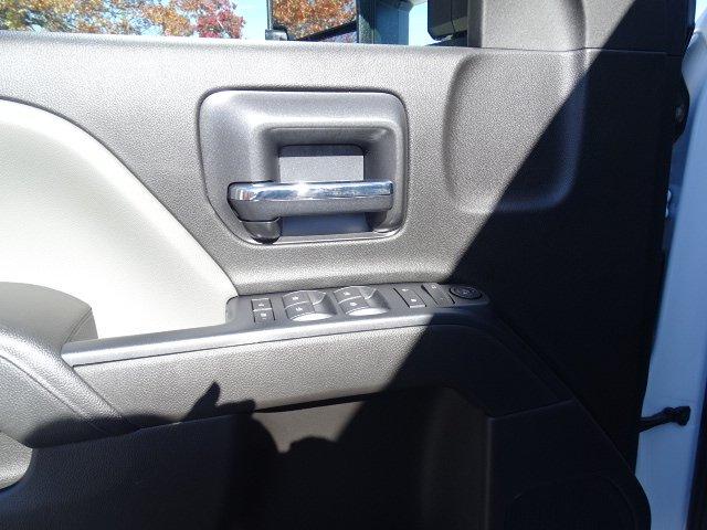2019 Silverado 2500 Double Cab 4x2, Reading SL Service Body #M1223106 - photo 12