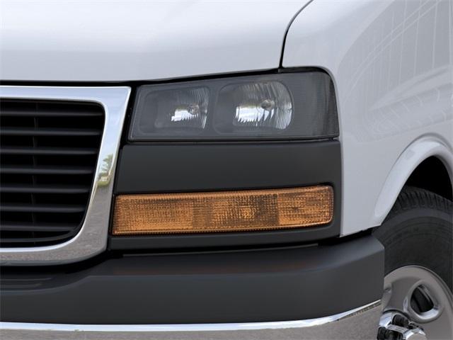 2020 GMC Savana 3500 4x2, Passenger Wagon #VF02147 - photo 8