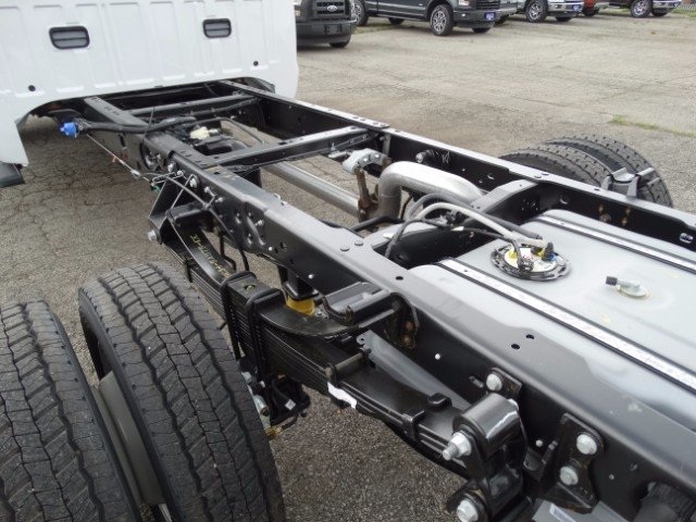 2016 F-550 Crew Cab DRW, Cab Chassis #21494 - photo 5