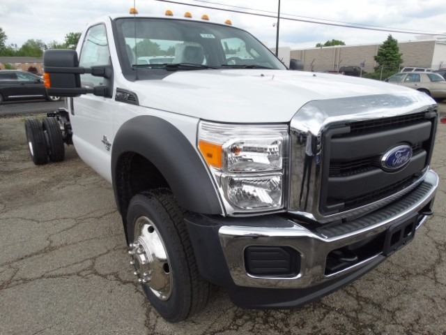 2016 F-550 Regular Cab DRW, Cab Chassis #21499 - photo 4
