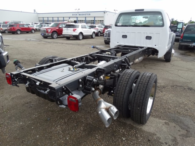 2016 F-550 Regular Cab DRW, Cab Chassis #21499 - photo 2