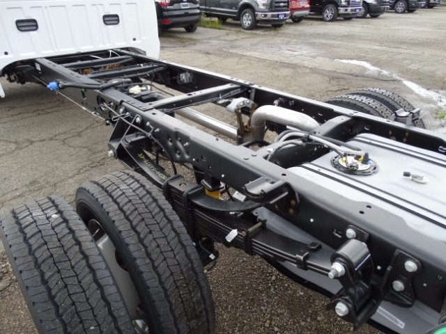 2016 F-550 Regular Cab DRW, Cab Chassis #21499 - photo 5