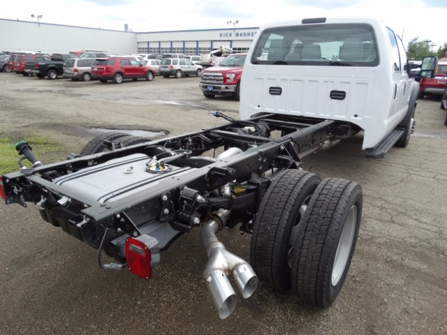 2016 F-550 Crew Cab DRW 4x4, Cab Chassis #21500 - photo 2