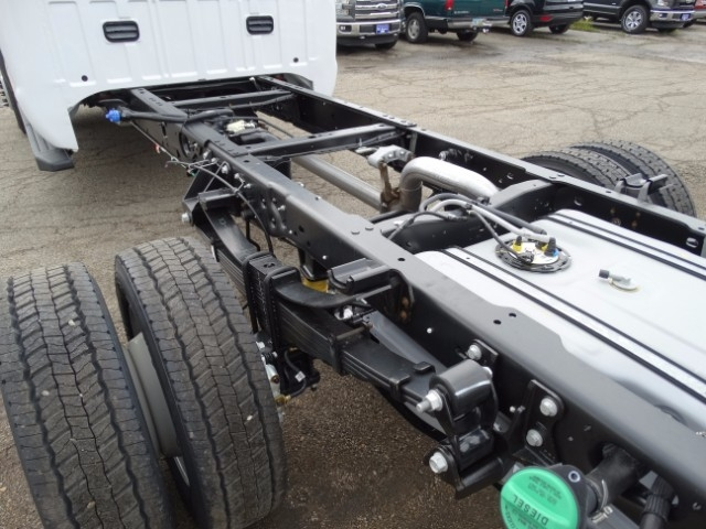 2016 F-550 Crew Cab DRW 4x4, Cab Chassis #21500 - photo 5