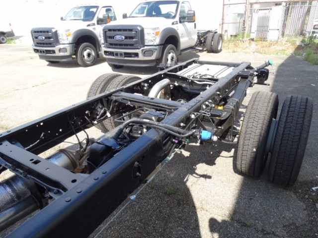 2016 F-550 Regular Cab DRW, Cab Chassis #21638 - photo 7