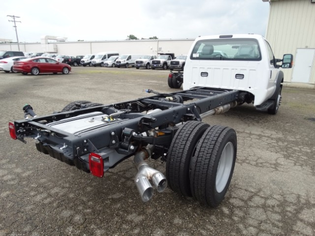 2016 F-550 Regular Cab DRW, Cab Chassis #21645 - photo 2