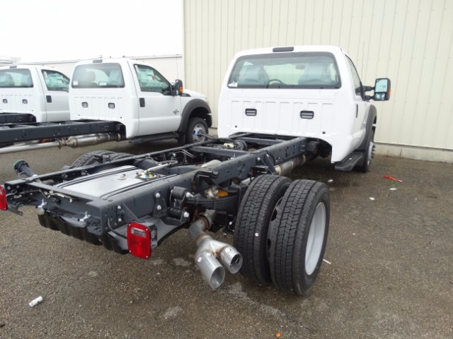 2016 F-550 Regular Cab DRW 4x4, Cab Chassis #21647 - photo 2