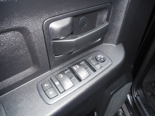 2016 Ram 1500 Crew Cab 4x4,  Pickup #21995Y - photo 17