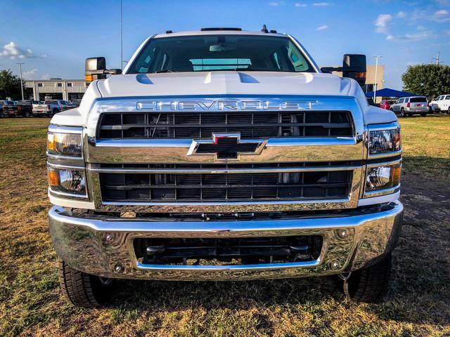 2019 Silverado 5500 Crew Cab DRW 4x4, CM Truck Beds ER Model Hauler Body #377351 - photo 3