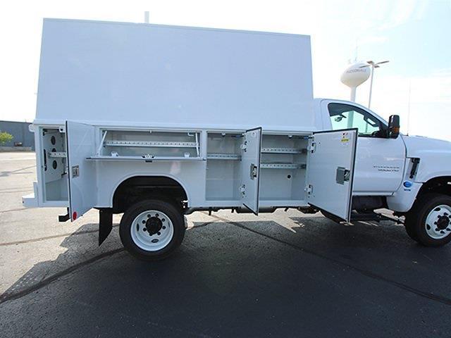 2021 Silverado 5500 Regular Cab DRW 4x4,  Reading Panel Service Body #SH211119 - photo 9