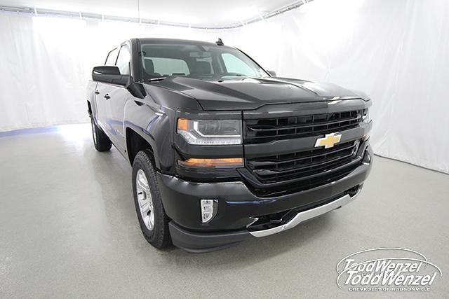 2018 Silverado 1500 Crew Cab 4x4, Pickup #SH81178 - photo 3