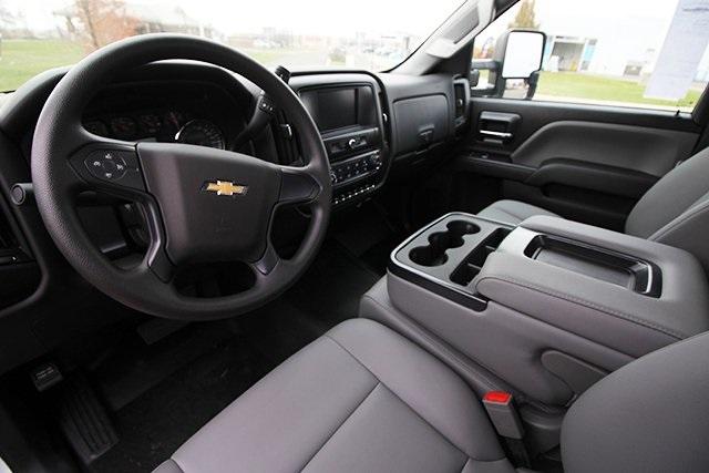 2019 Chevrolet Silverado 5500 Regular Cab DRW 4x4, Reading Platform Body Stake Bed #SH91850 - photo 14