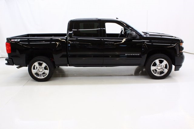 2017 Silverado 1500 Crew Cab 4x4 Pickup #89679 - photo 3