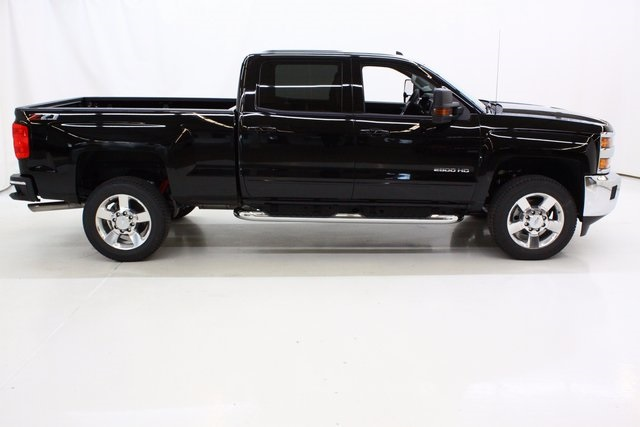 2018 Silverado 2500 Crew Cab 4x4 Pickup #89746 - photo 3