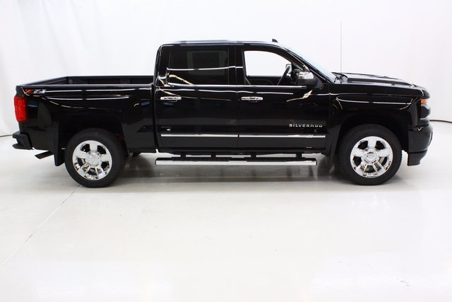 2018 Silverado 1500 Crew Cab 4x4 Pickup #89775 - photo 3