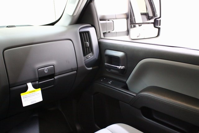 2018 Silverado 2500 Crew Cab 4x4 Pickup #89777 - photo 14