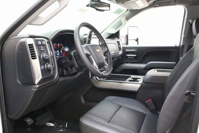 2018 Silverado 3500 Crew Cab 4x4, Pickup #89818 - photo 11
