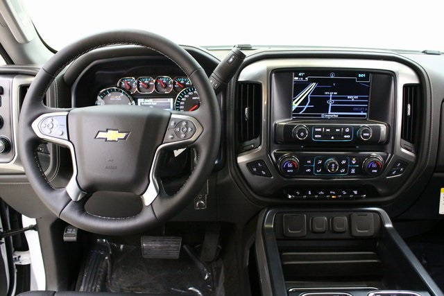 2018 Silverado 3500 Crew Cab 4x4, Pickup #89818 - photo 16