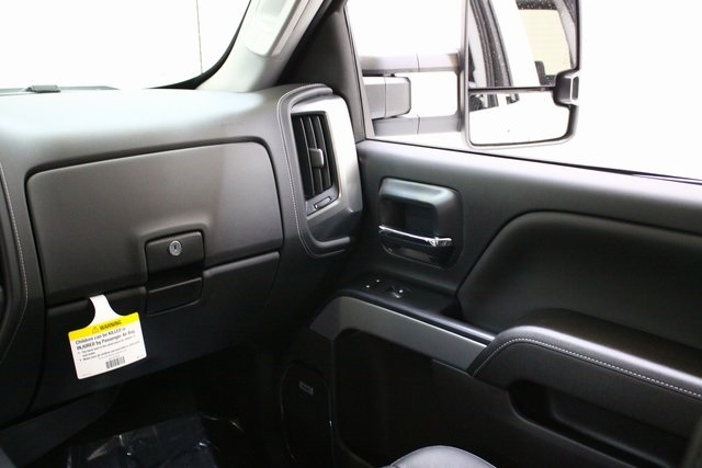 2018 Silverado 3500 Crew Cab 4x4, Pickup #89818 - photo 17