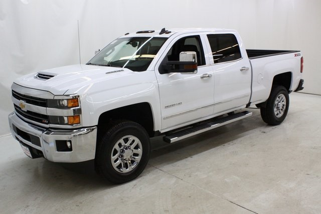 2018 Silverado 3500 Crew Cab 4x4, Pickup #89818 - photo 8
