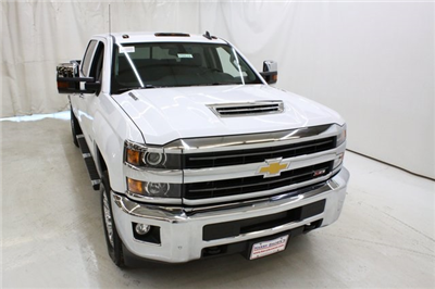 2018 Silverado 3500 Crew Cab 4x4, Pickup #89818 - photo 5