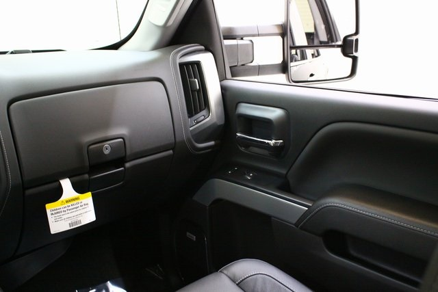 2018 Silverado 3500 Crew Cab 4x4, Pickup #89871 - photo 18