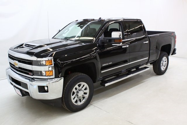 2018 Silverado 3500 Crew Cab 4x4, Pickup #89871 - photo 8