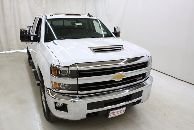 2018 Silverado 3500 Crew Cab 4x4, Pickup #89891 - photo 5