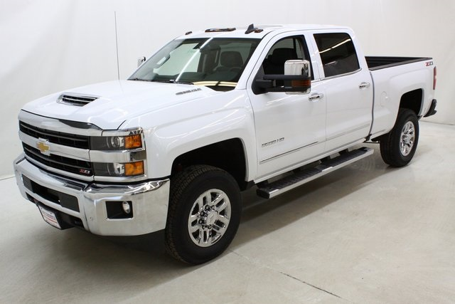 2018 Silverado 3500 Crew Cab 4x4, Pickup #89891 - photo 8