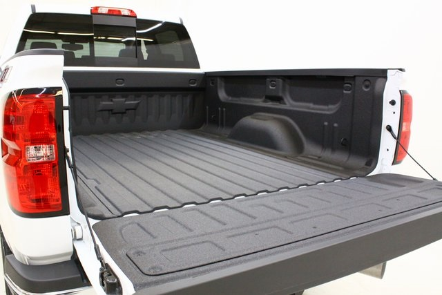 2018 Silverado 3500 Crew Cab 4x4, Pickup #89891 - photo 9
