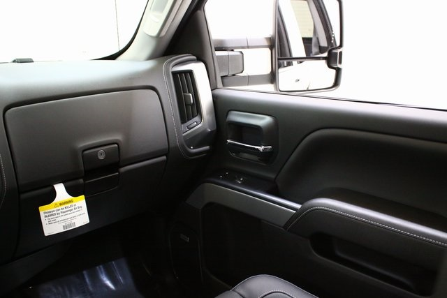 2018 Silverado 3500 Crew Cab 4x4,  Pickup #89898 - photo 18
