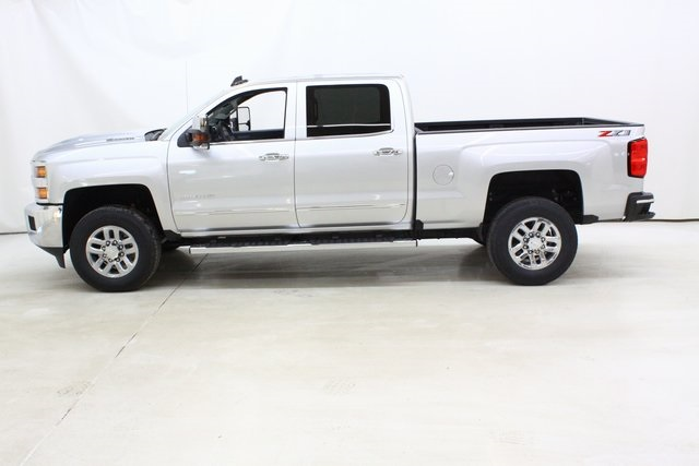 2018 Silverado 3500 Crew Cab 4x4, Pickup #89898 - photo 7