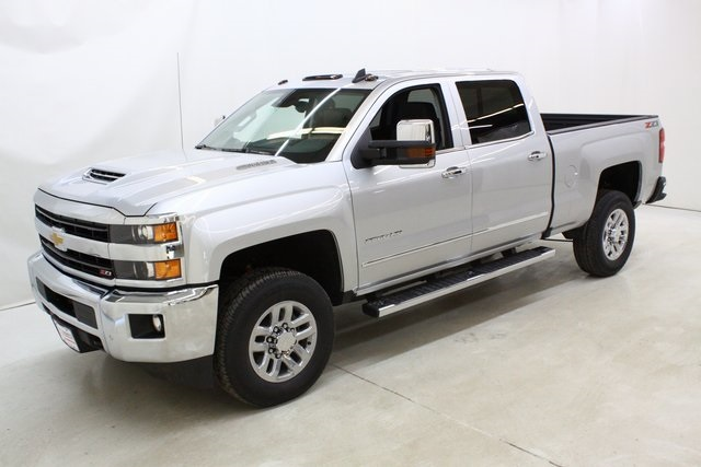 2018 Silverado 3500 Crew Cab 4x4, Pickup #89898 - photo 8