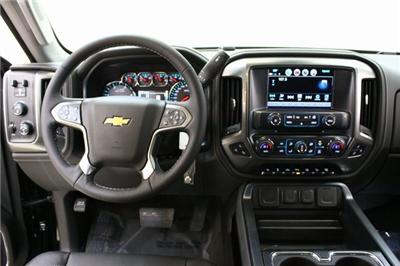 2018 Silverado 3500 Crew Cab 4x4, Pickup #89899 - photo 17