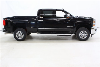 2018 Silverado 3500 Crew Cab 4x4, Pickup #89899 - photo 3