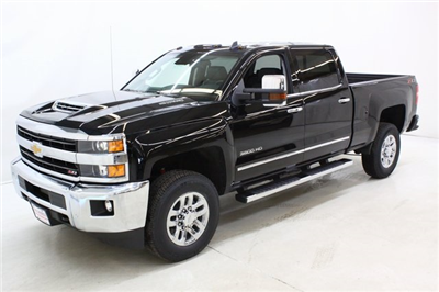2018 Silverado 3500 Crew Cab 4x4, Pickup #89899 - photo 8
