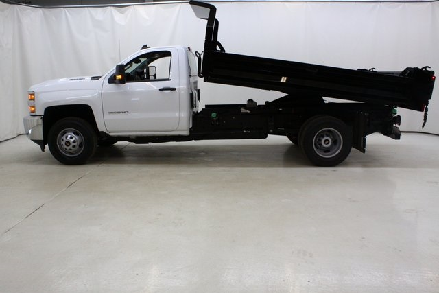 2018 Silverado 3500 Regular Cab DRW 4x4,  Knapheide Dump Body #89977 - photo 9