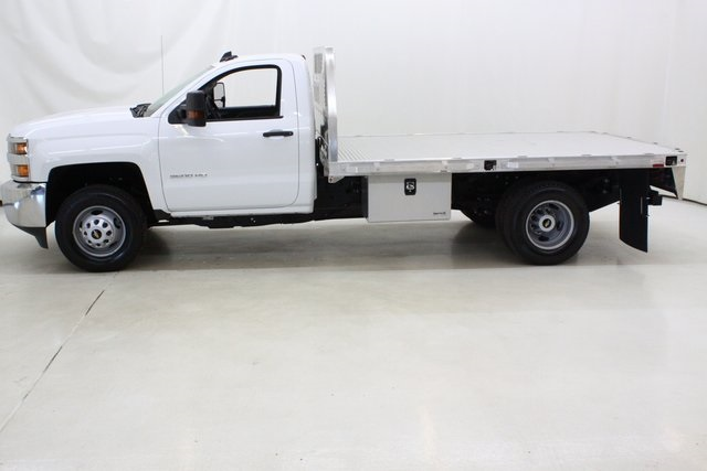2018 Silverado 3500 Regular Cab DRW 4x4,  Knapheide Platform Body #89998 - photo 7