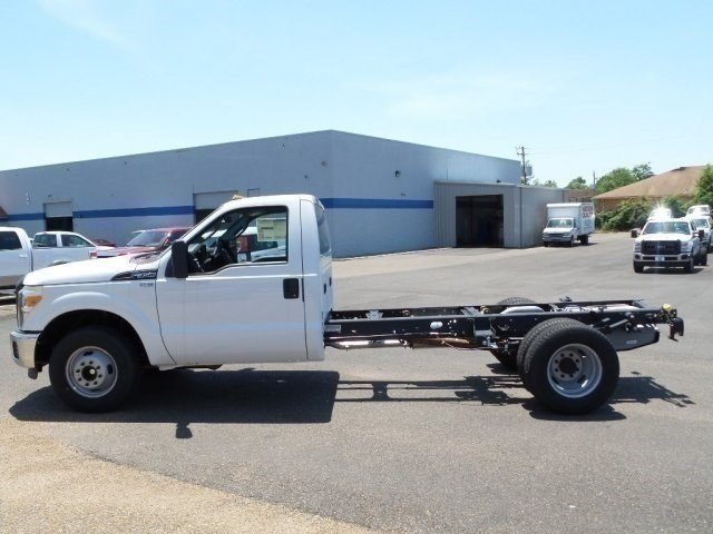 2016 F-350 Regular Cab DRW, Cab Chassis #16F1140 - photo 3