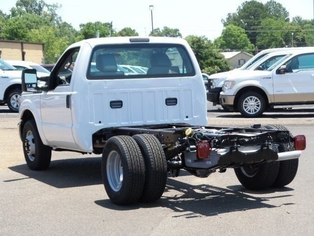 2016 F-350 Regular Cab DRW, Cab Chassis #16F1840 - photo 2