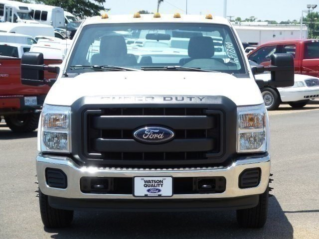 2016 F-350 Regular Cab DRW, Cab Chassis #16F1840 - photo 7