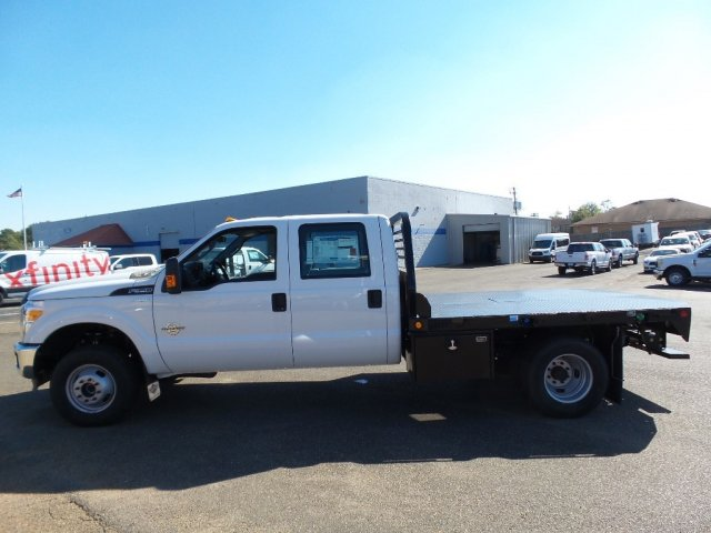 2016 F-350 Crew Cab DRW 4x4, Platform Body #16F2431 - photo 3
