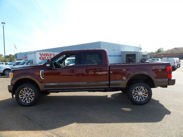 2017 F-250 Crew Cab 4x4 Pickup #17F2847 - photo 3