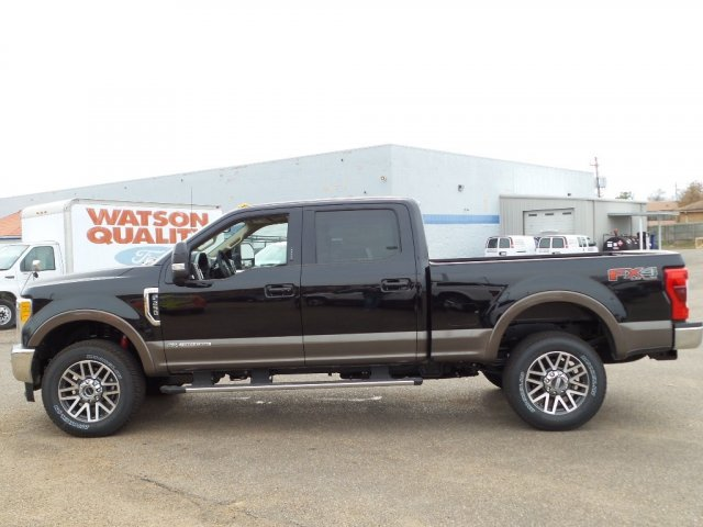 2017 F-250 Crew Cab 4x4, Pickup #17F3102 - photo 3