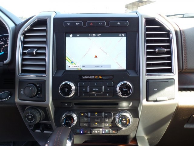 2018 F-150 Crew Cab 4x4, Pickup #18F0103 - photo 16