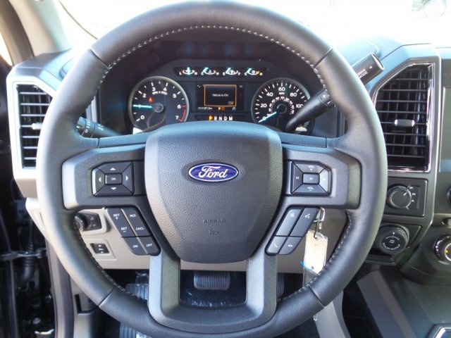 2018 F-150 Crew Cab 4x4, Pickup #18F0210 - photo 17