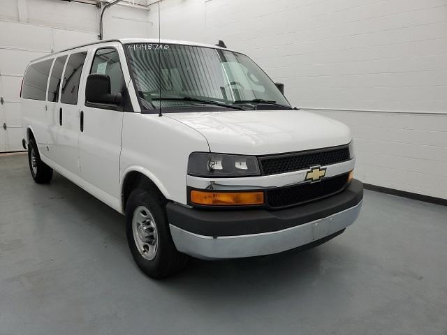 2016 Chevrolet Express 3500 4x2, Passenger Wagon #44487AQ - photo 1