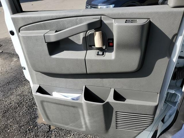 2021 Chevrolet Express 3500 4x2, Unicell Classicube Cutaway Van #TR5096T21 - photo 10